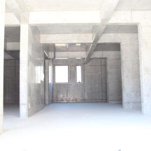 1階車庫スペース(高床鉄筋造)